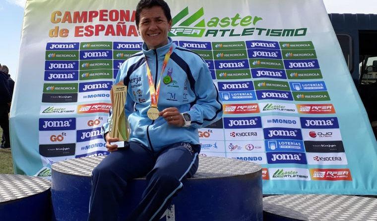 Lola Chiclana logra el oro por equipos de veteranos en el Nacional de campo a través