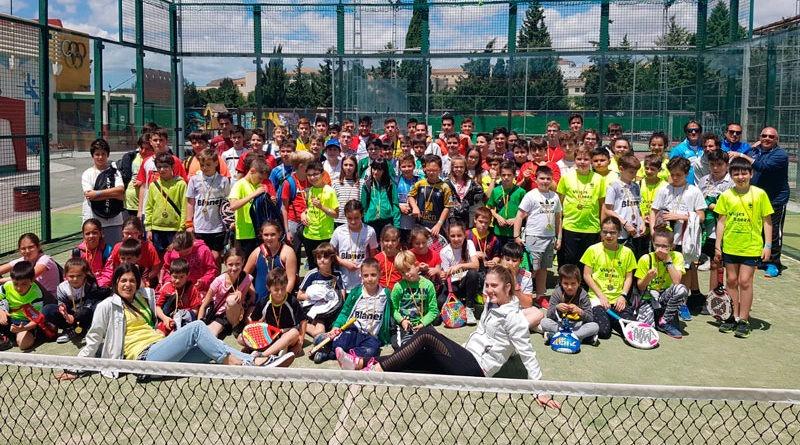 Más de un centenar de jóvenes participan en el XX Encuentro de Pádel de Escuelas Deportivas de Úbeda