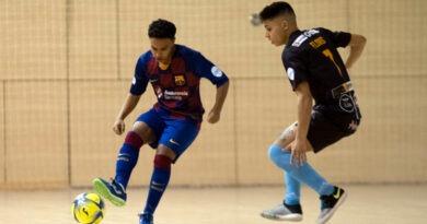 Pedro Flores vive el liderato del Mengíbar FS tras la victoria ante el Barça 'B'