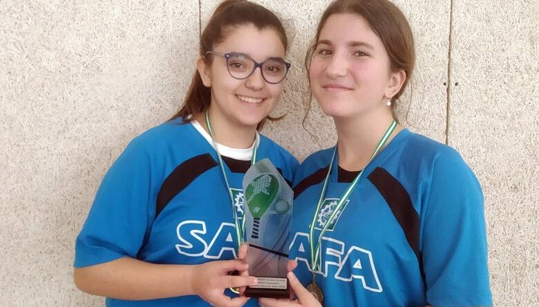 María Ruiz y Ana Moreno, de SAFA Úbeda, campeonas de pádel en el Trofeo Acceso UJA