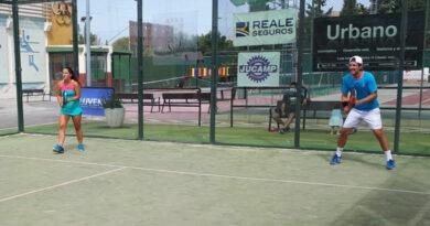 Berja-Gómez en veteranos y Navarro-Fernández en mixto, campeones en la primera sesión del XXI Torneo de Pádel