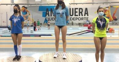 Andrea Cobo, tercera los 3000 ml del Campeonato de Andalucía sub'18 en pista cubierta