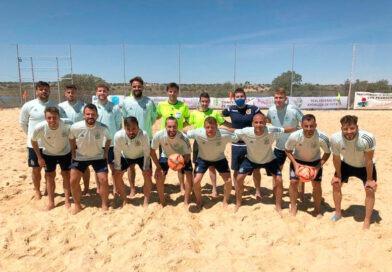 Los árbitros ubetenses Montoro Garrido y Pulido Campos participan en el entrenamiento de la Selección Española de fútbol playa